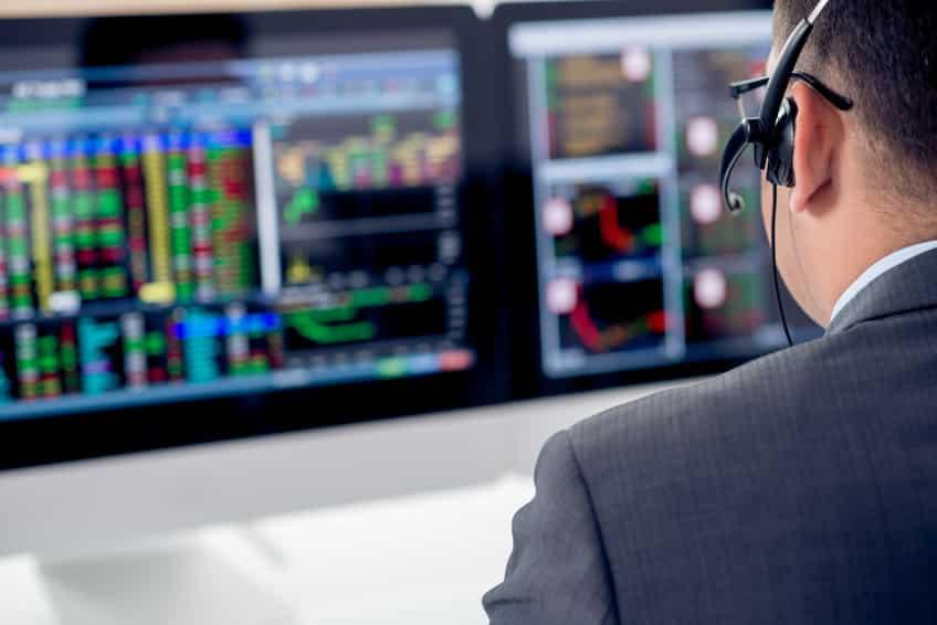 Hauptberuflicher Vollzeit-Trader bei der Arbeit