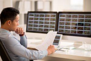 Erfolgreicher Trader bei der Arbeit